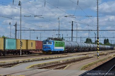 242 543-7 with a long freight train in Komarno by MorpheusPhotoworks