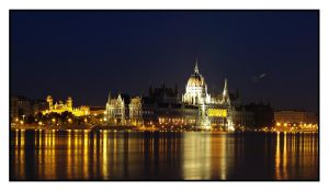 Night Parliament by Csipesz