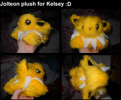 Jolteon plush for Kelsey by Frootsalad
