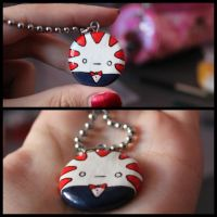 Peppermint Butler necklace by challengeaccepted