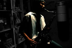 Saxophonist by yii