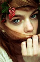 flowers in your hair by ByLaauraa