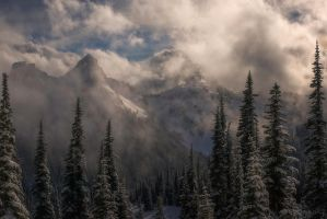 Mazama Ridge by MaciejKarcz
