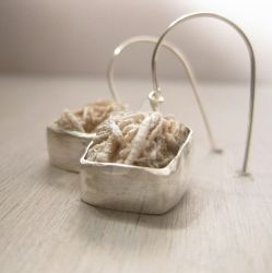 Desert rose earrings by Jealousydesign