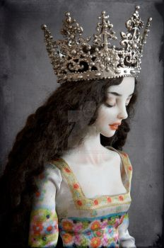 A new crown is dolled by Marina-B
