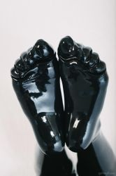 Feet in latex by PascalsProxy