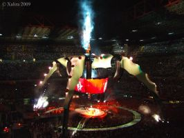 U2 in San Siro - Meet the Claw by Xalira