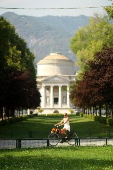 Como cycling by paddimir