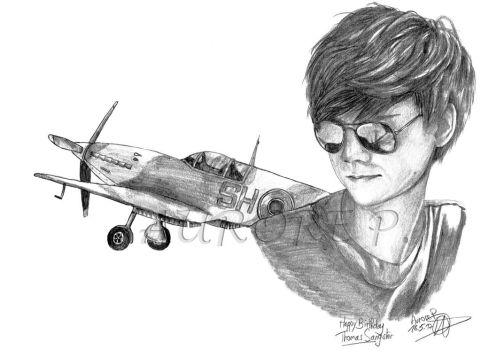 Thomas Brodie Sangster as a Pilot by Auro0109