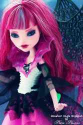 Damaris the Dragon Queen - Monster High Repaint by PixiePaints