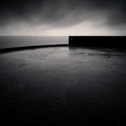 Horizon And Pier Edge by DenisOlivier