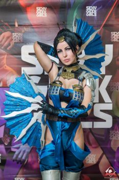 Kitana from MK X cosplay by Nemu013