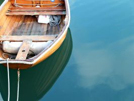 Boat on the Water by divafica