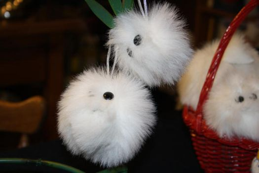 Fuzzy snowball ornaments by moordred-fangirl
