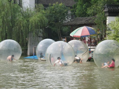 hamster balls in water by KyOuJi