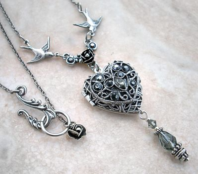 Silver Heart Locket by Aranwen