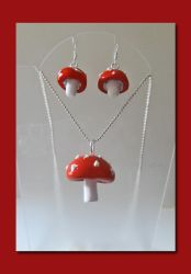 Fly Agaric Mushroom Pendant and Earring Set by slarmstrong