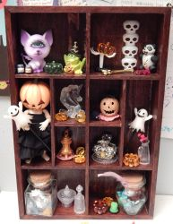 Doll Shelf by BeanSproutMomo