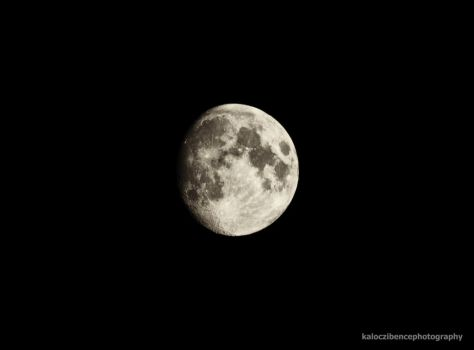 Moon by kgbphoto