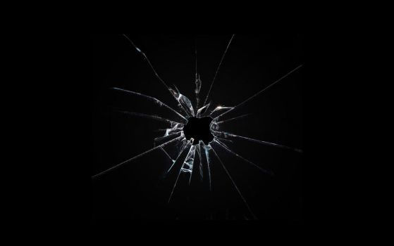 Apple broken glass wallpaper by Leconte