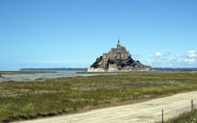 Mont Saint-Michel by blackasmodeus