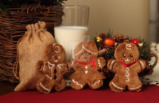Gingerbread cookie plushies for Santa - with milk by SugarcubeCherry