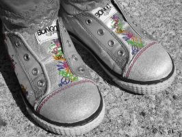 Shoe-ees BW Color by Wickedly-Mad