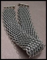 DragonScale Chainmail Bracelet by norimarr