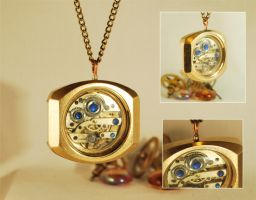 Handcrafted Steampunk Pendant Necklace by Henri-1