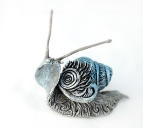 Silver snail by hontor