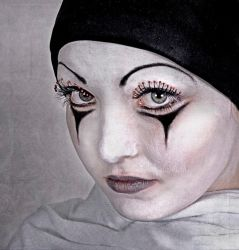 Pierrot's Little Sister by h-e-photography