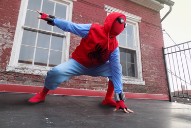 Spider-Man: Homecoming - Homemade Suit Cosplay by Lightning3116