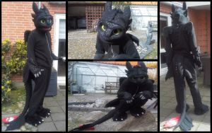 Toothless Cosplay Suit by TheBandicoot