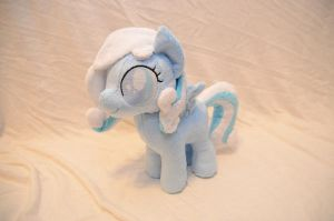 Snowdrop Plushie by makeshiftwings30