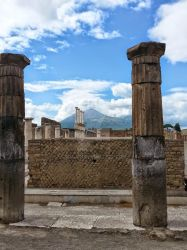 Pompei And Venuse by axilien