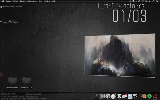 Desktop of October by piogia