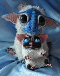 Baby dragon and baby sowl by Santani