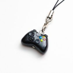 Xbox Controller phone charm by FrozenNote
