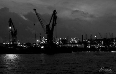 Hamburg by night by Michelle-Photography