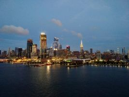 evening in manhattan by Mittelfranke