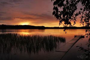 The Sun Goes Down by Pajunen
