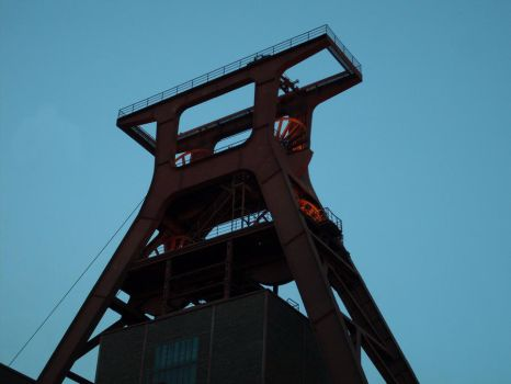 Zeche Zollverein Essen 3 by corvintaurus