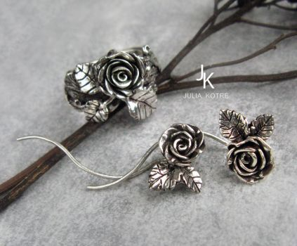 Cast silver rose set by JuliaKotreJewelry