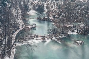 Plitvice Lakes by luka567