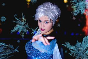 The Cold Never Bothered Me Anyway by IceKhaleesi