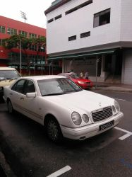 White Mercedes Benz E280 W210 by Amgnismo