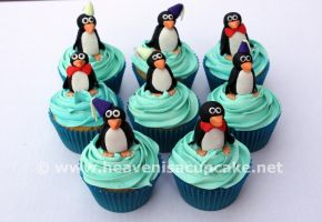 Ppp-pick Up a Penguin Cupcake by peeka85