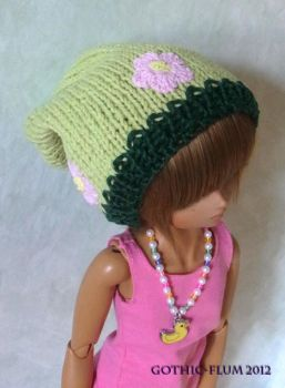 Super poofy knitted hat - green meadow by Gothic-Flum