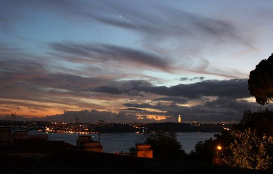 Sunset in Lisbon by Icedrop21