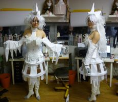 Reshiram Gijinka Cosplay Final by Blashina